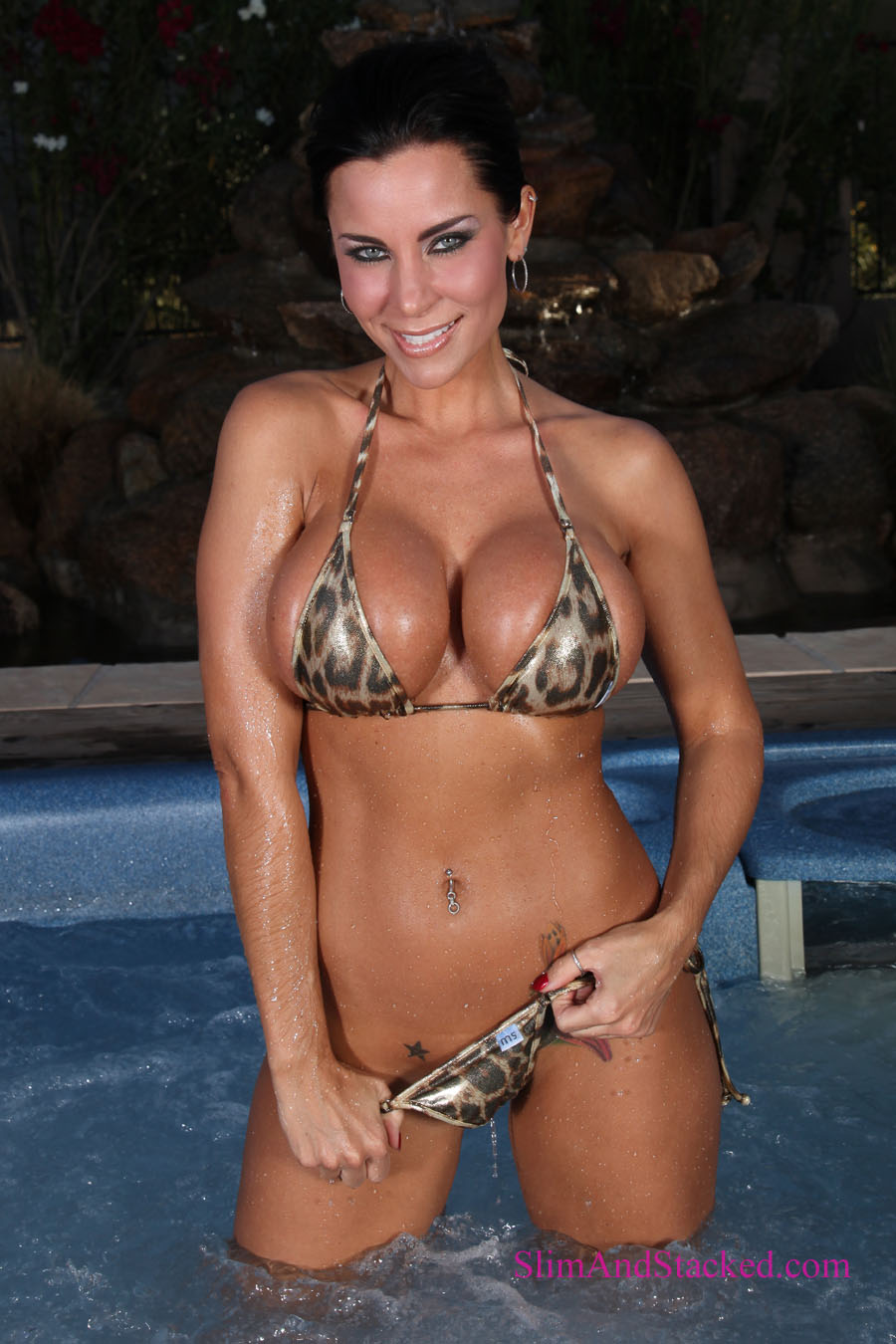 Laura Lee is wet and very wild in a tiny animal print bikini.  Get the entire set of ultra-high quality, 3000 pixel images.  Email dezertimagez@gmail.com for pricing.