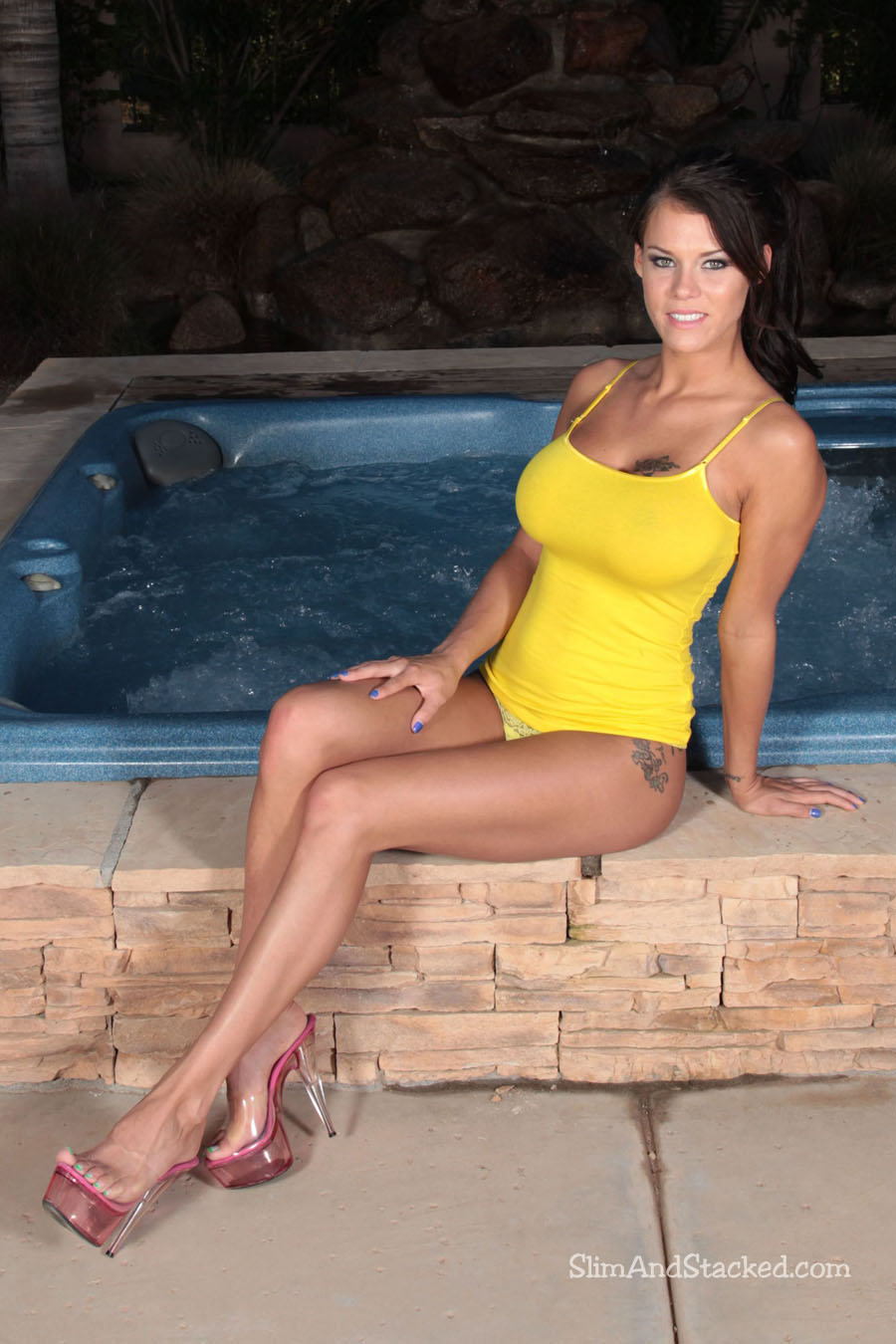 Peta looks stunning in a snug fitting yellow top.  But when she gets into the jacuzzi and her top gets wet, well.....  And when her top come off, well-well-well!  Enjoy the entire set in stunning 3000-pixel resolution by contacting dezertimagez@gmail.com for pricing on this set.